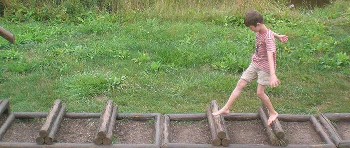 Auf dem Barfußpfad in Bad Sobernheim können Sie die Natur an der Nahe mit allen Sinnen spüren.