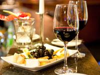 Verpassen Sie bei Ihrer Weinreise an die Mosel nicht die kulinarischen Vorzüge der Region.
