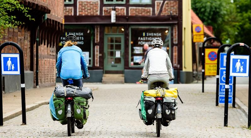 """Nachhaltiger Tourismus – oder """"sanfter Fremdenverkehr"""" – ist derzeit bei vielen Anbietern noch mehr Schlagwort als Wirklichkeit, Werbemaßnahme ohne konkreten Hintergrund. (#01)"""