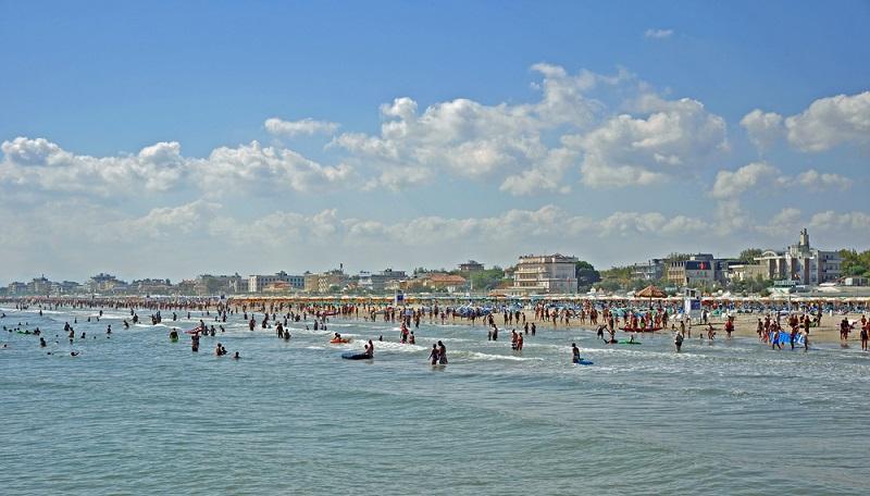 Wer in der Hauptsaison Cervia besucht, sollte nicht vergessen, rechtzeitig das Familienhotel am Strand zu buchen. (#2)