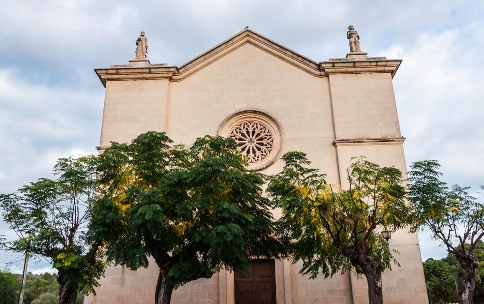 Das Glückshotel Mallorca zu buchen ist das Eine. Die Sehenswürdigkeiten im Landesinneren wie etwa die Kirche Esglesia D'es Carritxó in dem kleinen Örtchen Felanitx zu bereisen ist das Nächste. (#1)