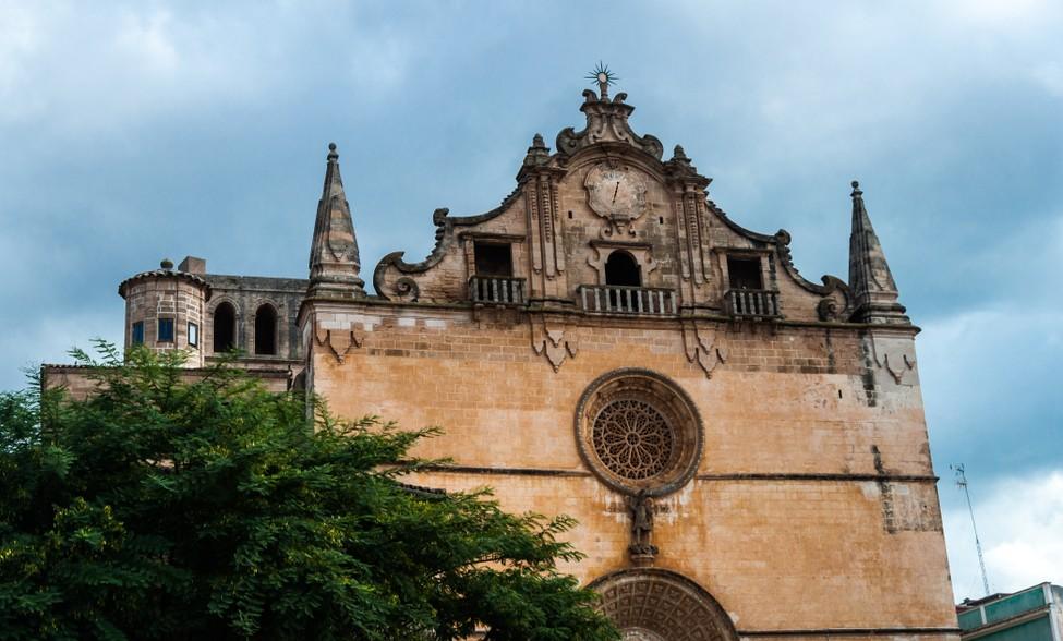 Auch in Felanitx gelegen: die Kirche San Miguel. Irgendwie wünschen wir uns jetzt schon, dass wir unser Glückshotel Mallorca buchen und in Felanitx landen werden. (#2)